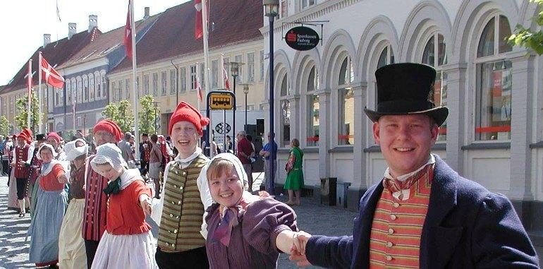 Датчане обожают свою историю, что и демонстрируют во время праздников