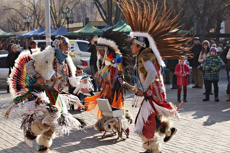 Эквадорские традиции - смесь разных культур