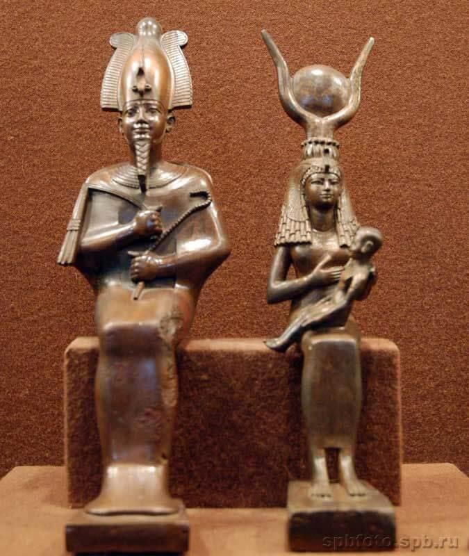 Изображения Осириса и Исиды