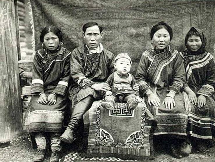 Нанайская семья