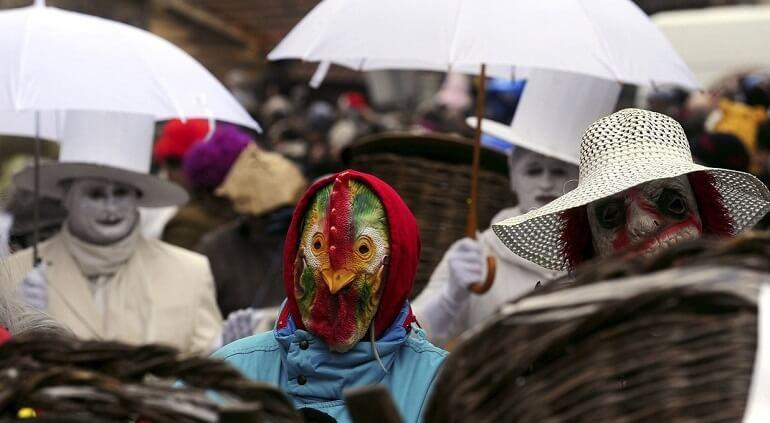 Карнавал в Вевчани - и смешно, и жутко