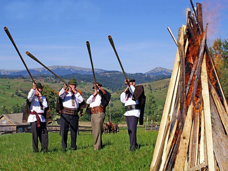 Трембита - гуцульский музыкальный инструмент