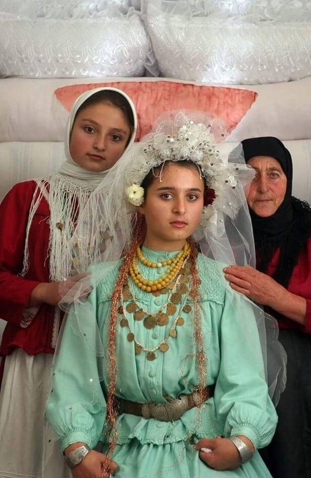 У невест гагаузов зелёные платья