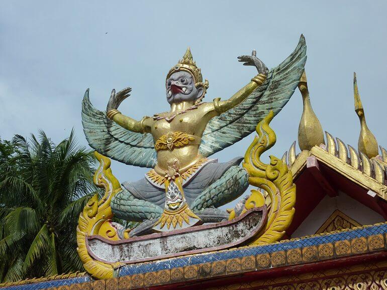 Индийский храм, посвящённый Гаруде