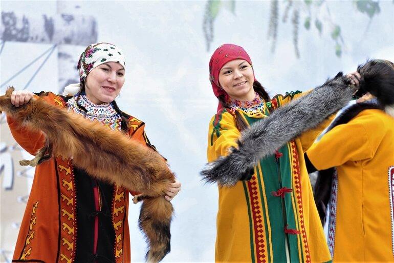 Издавна ханты торговали пушниной с соседними народами