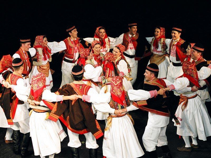 Народный хорватский танец коло