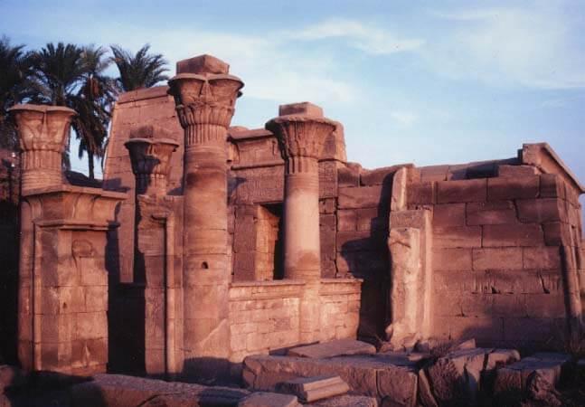 Руины храма Птаха в Карнаке