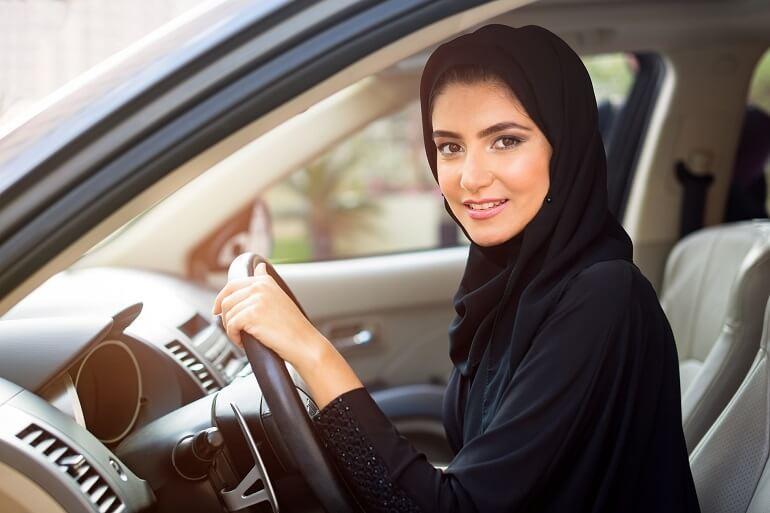 В наше время арабские девушки получают всё больше прав