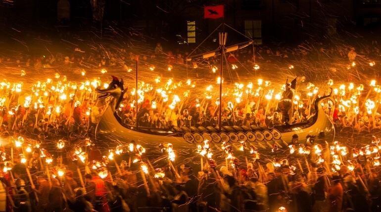 Апхелио неспроста называют Огненным праздником