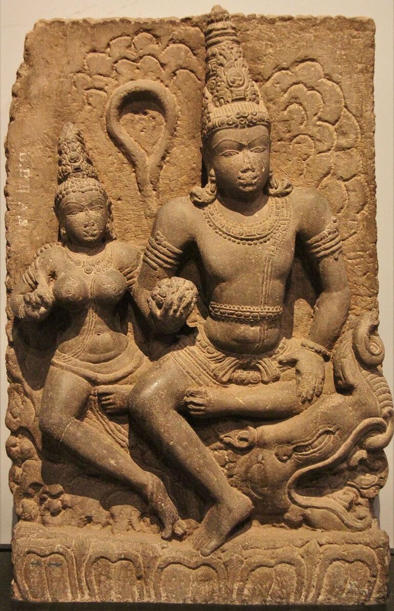 Древнее изображение Варуны и его жены Варунани