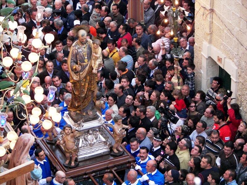 Празднование Дня Святого Джузеппе в Италии