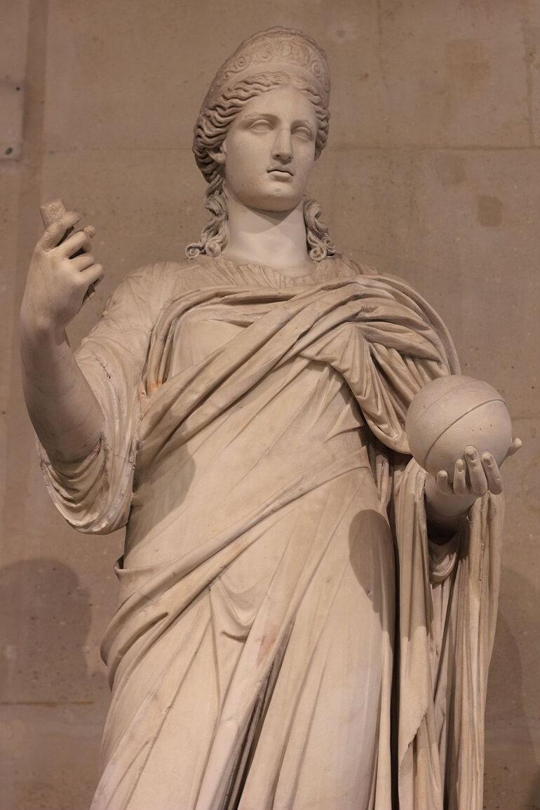 Гера - прекрасная и суровая царица богов