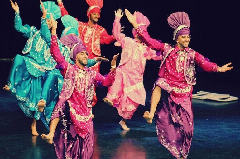 Пенджабский танец бхангра