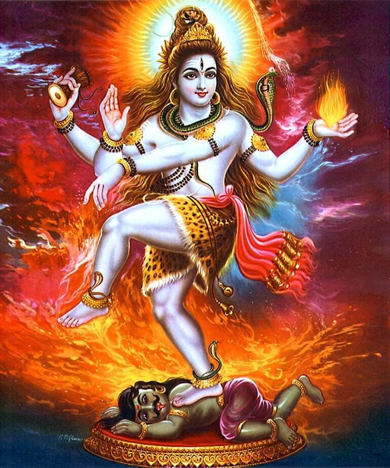 Шива исполняет священный танец, тандаву - символ созидания и победы добра