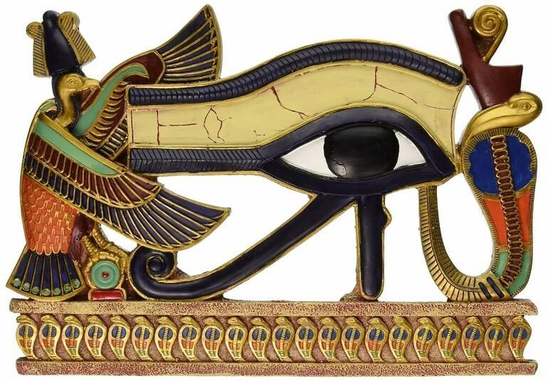 Кобра Уаджет присутствует на древнем обереге