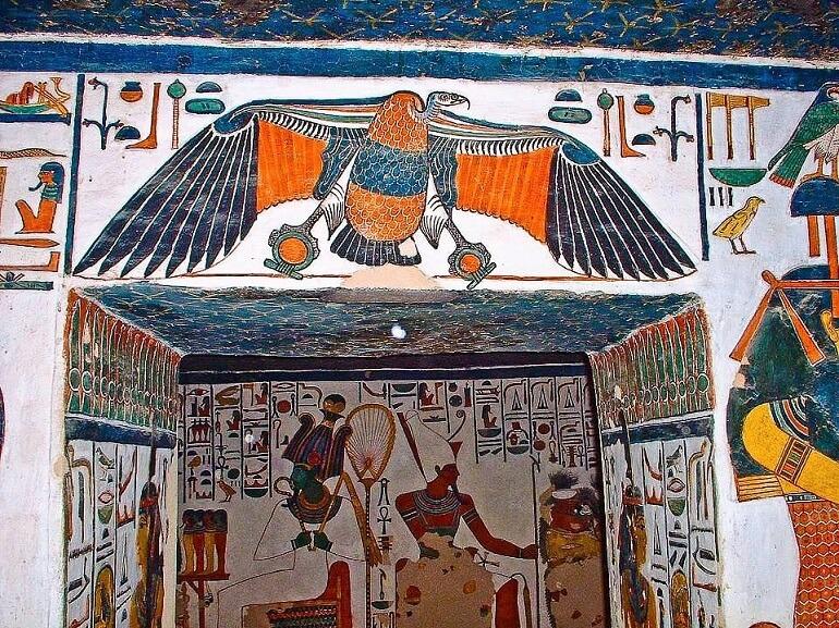 Гриф Нехбет - символ защиты фараона