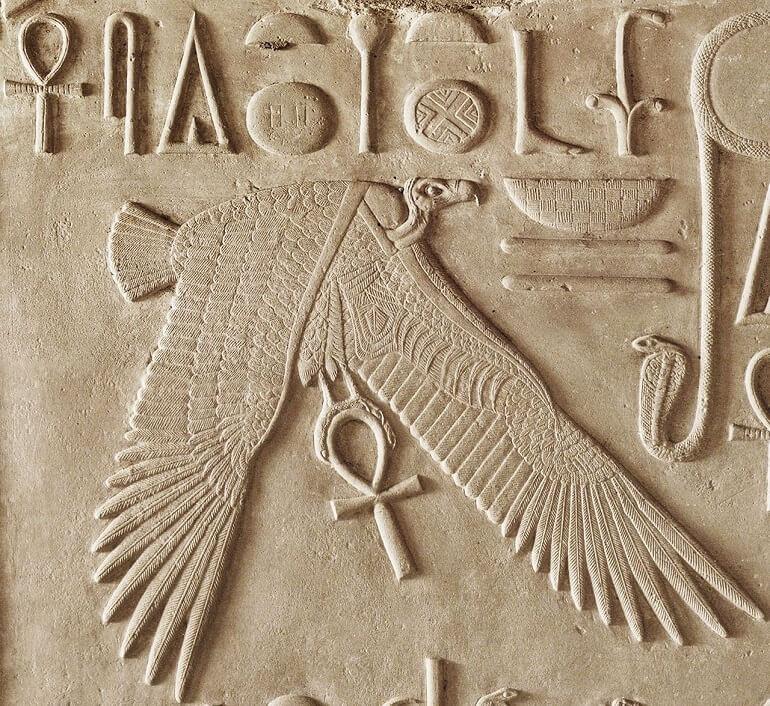 Изображение Нехбет на храмовой стене