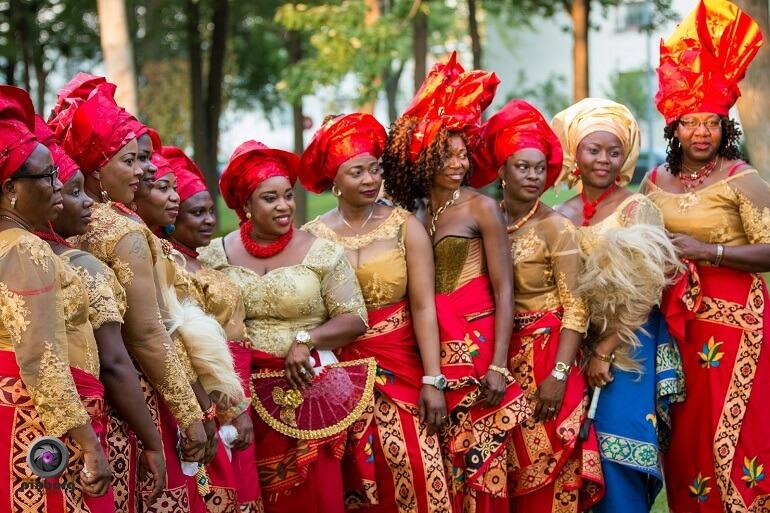 Исполнительницы народных танцев игбо