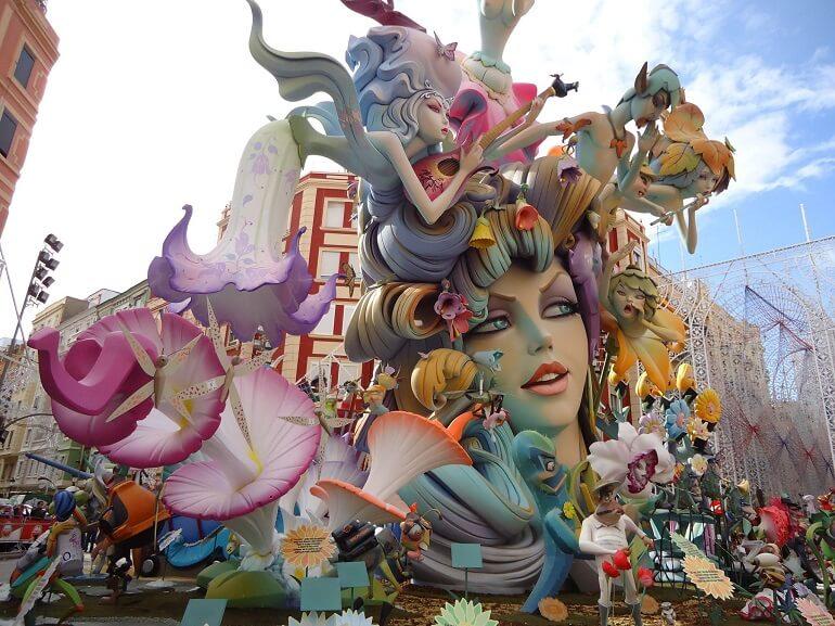 Фальяс - фантастический испанский фестиваль