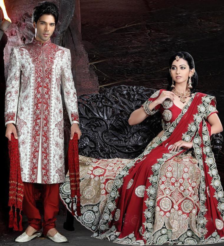 Индийцы в традиционных нарядах