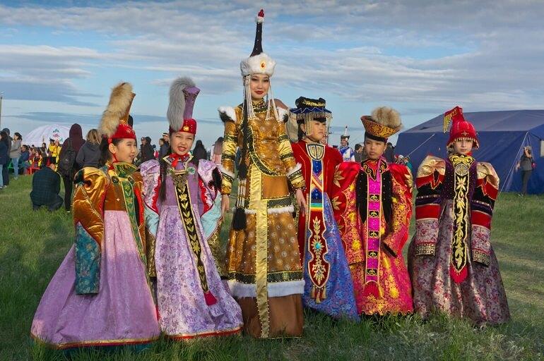 На протяжении многих веков калмыки хранят свои традиции