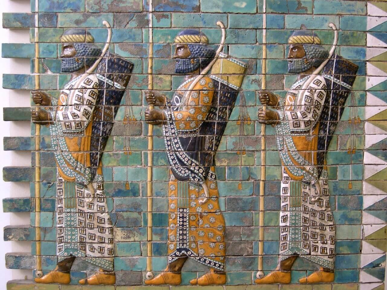 Бессмертные солдаты во дворце Дария в Сузи
