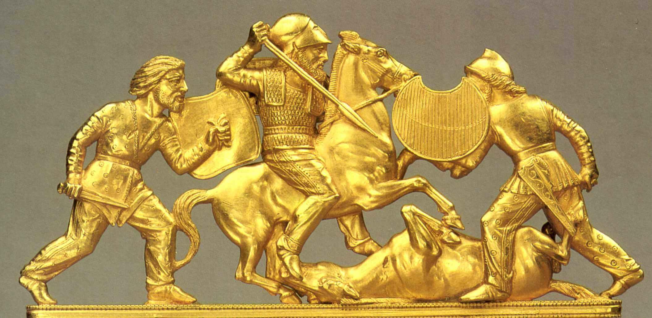 Скифский золотой гребень с изображением батальной сцены, из солохского кургана, 430-390 гг. до н. э.