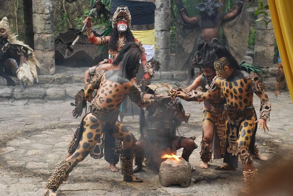 Традиционный театр духовных ритуалов индейцев майя