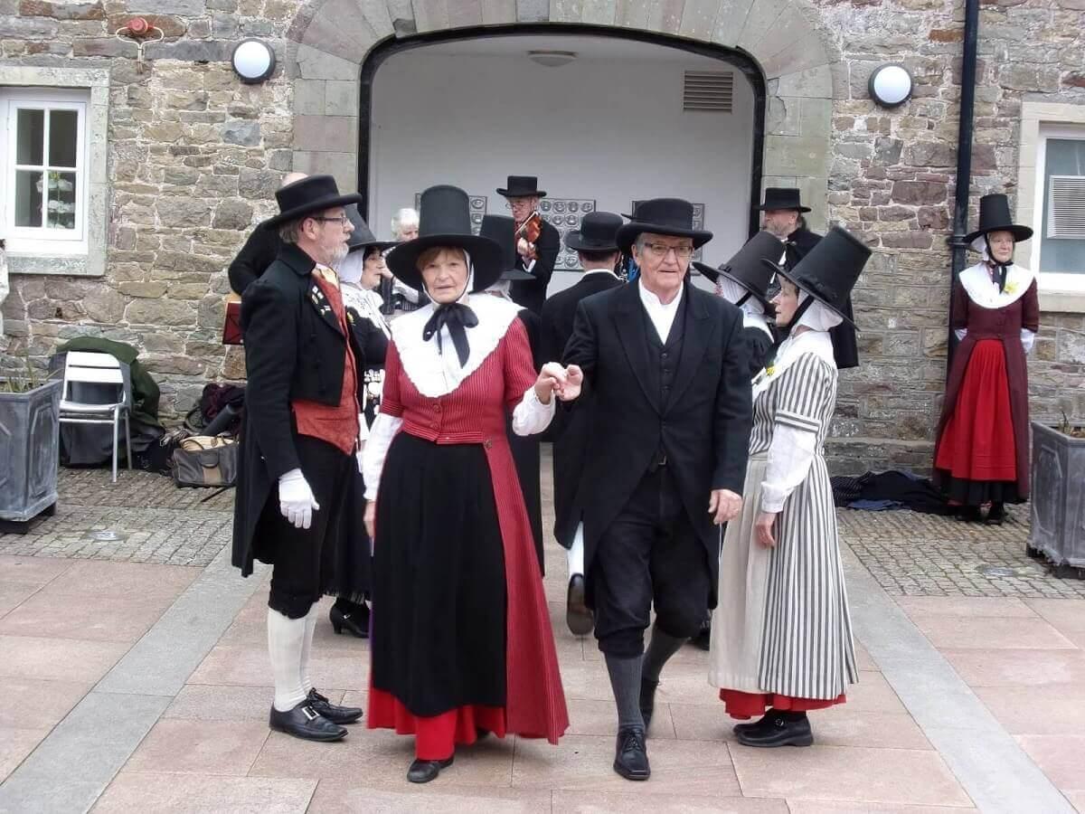 Валийцы в Уэльсе в национальных кастюмах