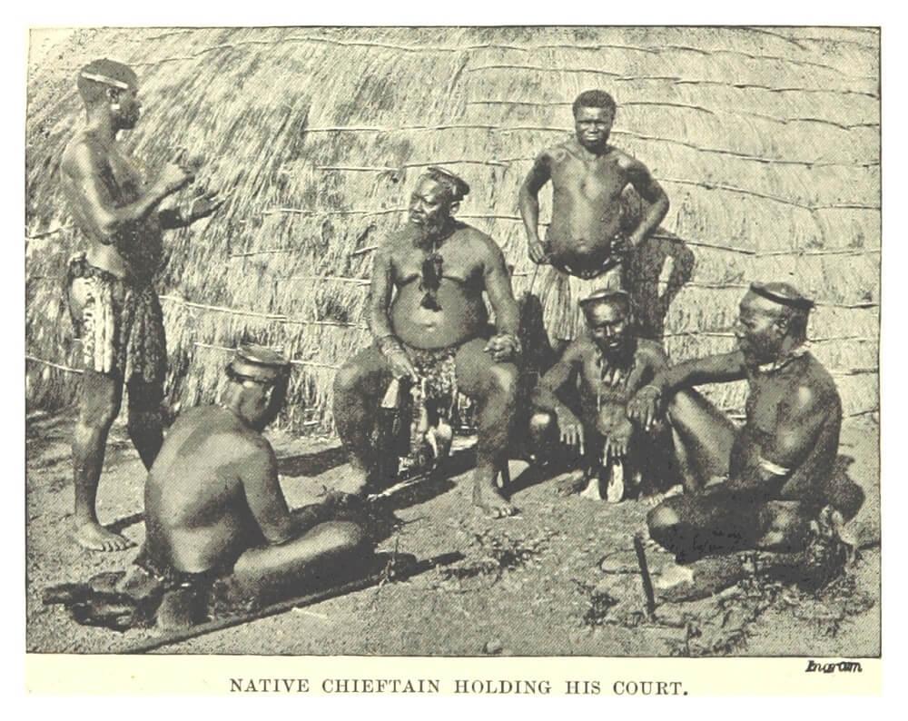 1898 туземный вождь держит свой двор