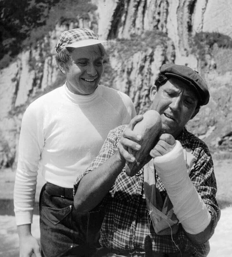 Андрей Миронов и Юрий Никулин на съемках кинофильма «Бриллиантовая рука» режиссера Леонида Гайдая, 1968 год