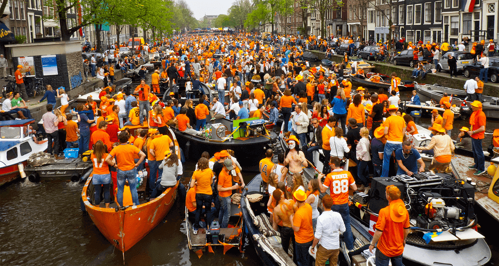 День Короля, Амстердам отмечается 27 апреля