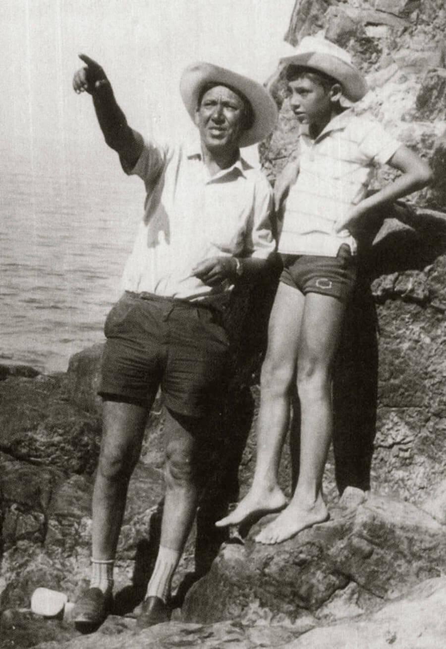 Юрий Никулин с сыном Максимом на съемках фильма «Бриллиантовая рука», 1968 год