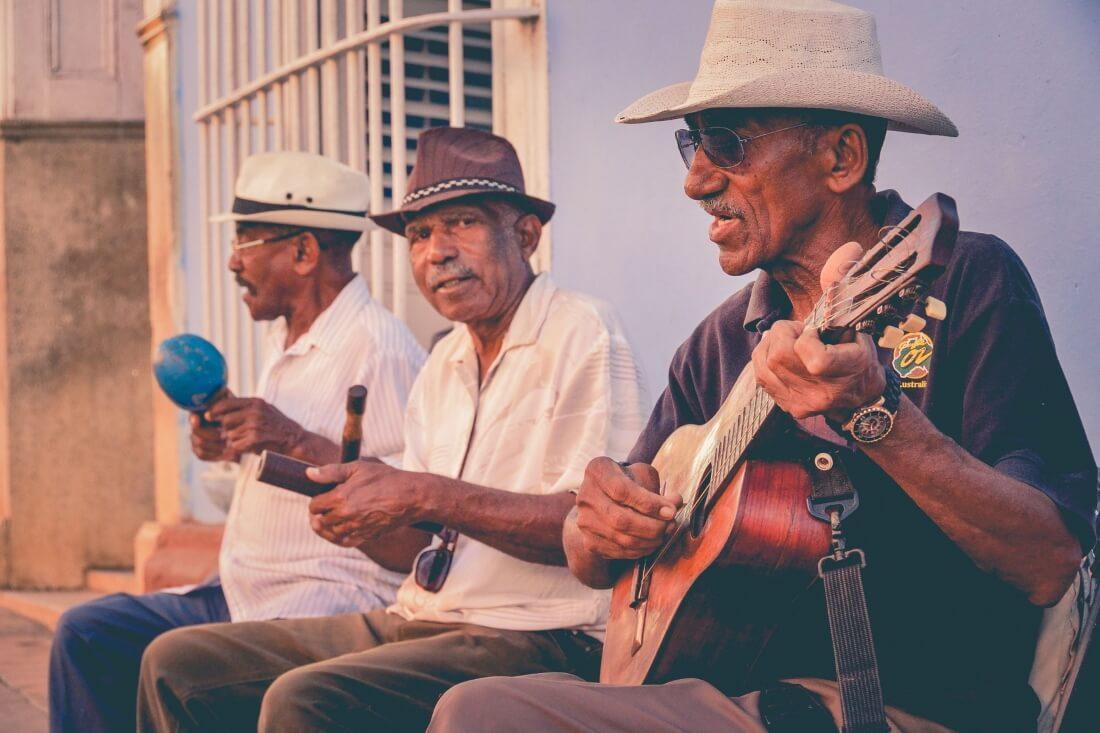 Местные кубинцы-музыканты