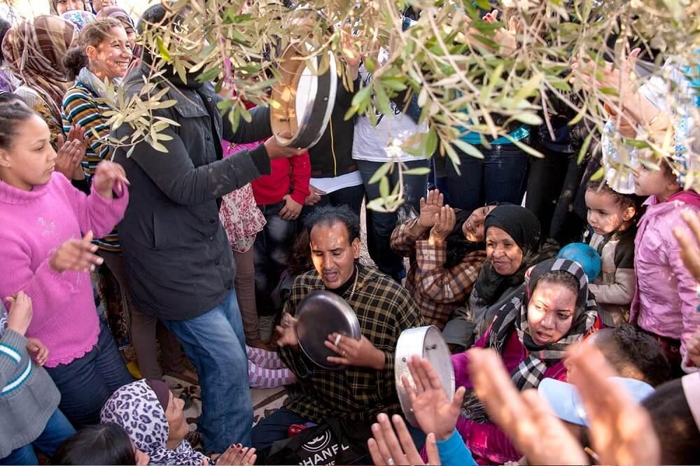Марокканцы отдыхают во время рабочего перерыва / © Рис Уэббер