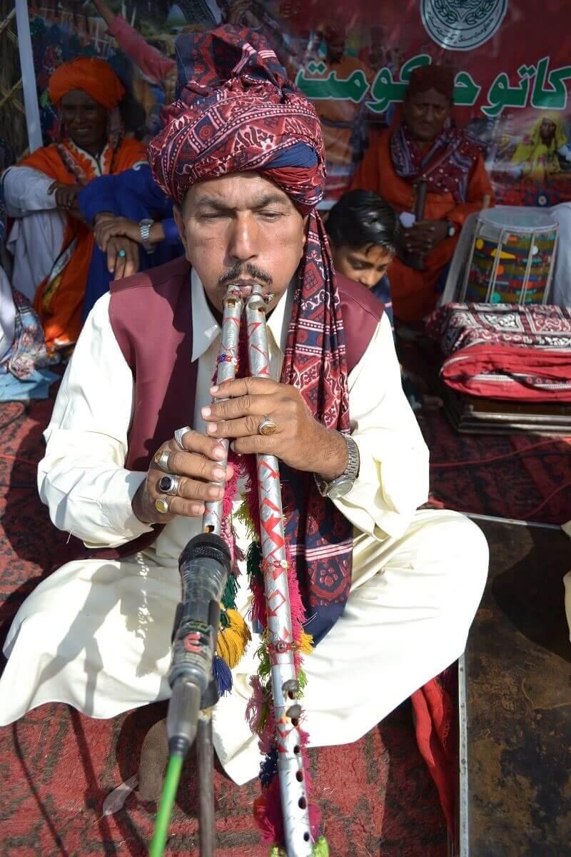 Музыкант синдхи Халид Махмуд