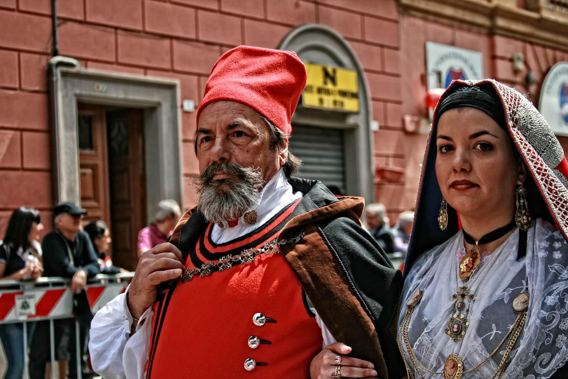 Пара сардинцев на фестивале