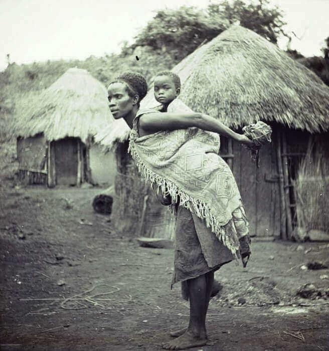 портрет Свазилендской женщины с ребенком на спине Фонд коллекции Национальный музей мировых культур