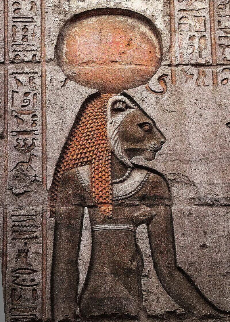 Сехмет, Египетская Богиня войны со стены храма Ком Омбо, Египет
