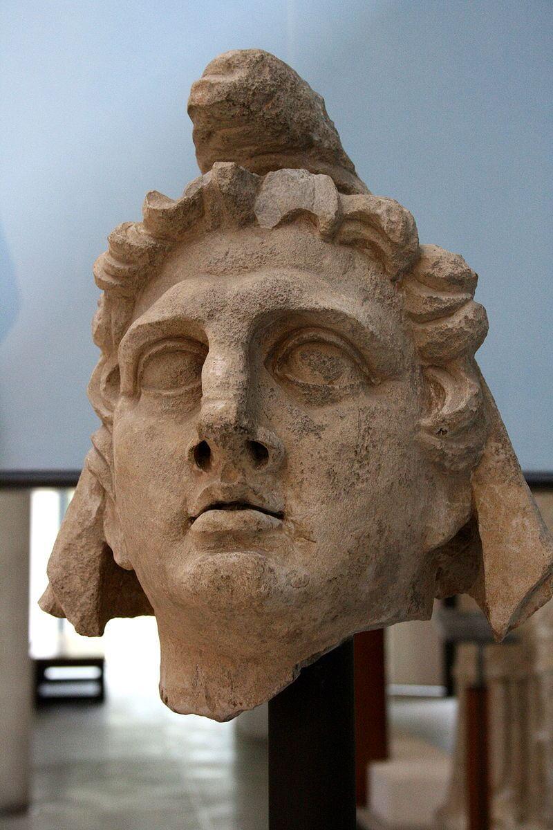 Бюст римского Митры из римской колонии в Арле