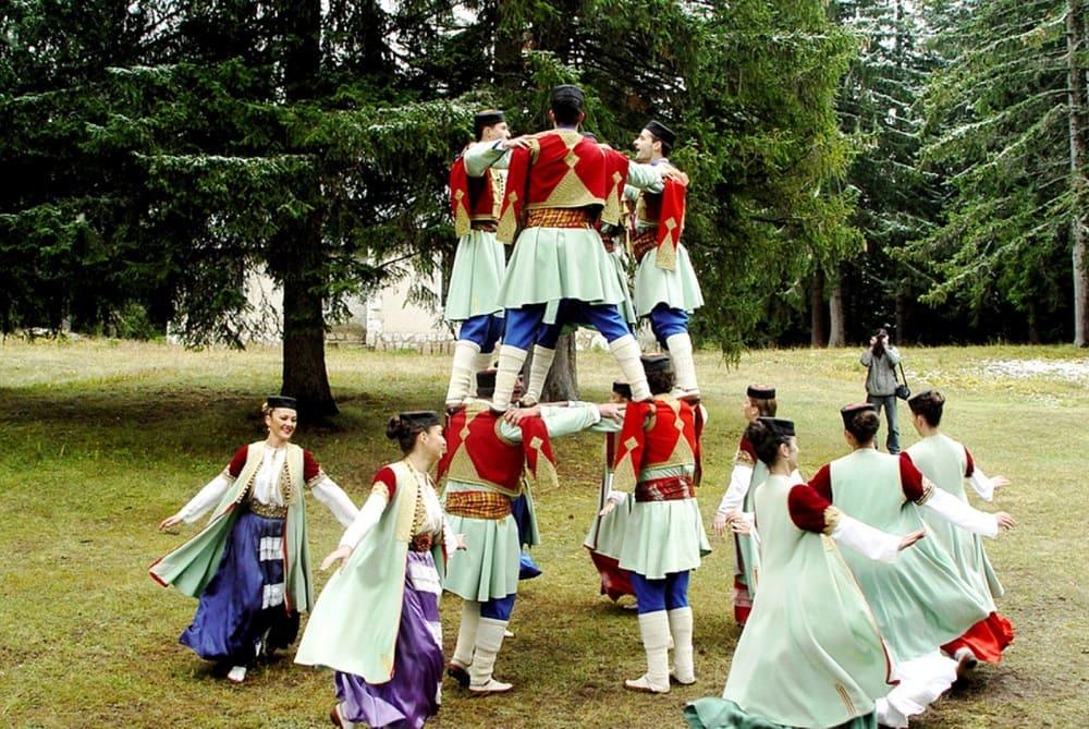 Танец Оро Черногория