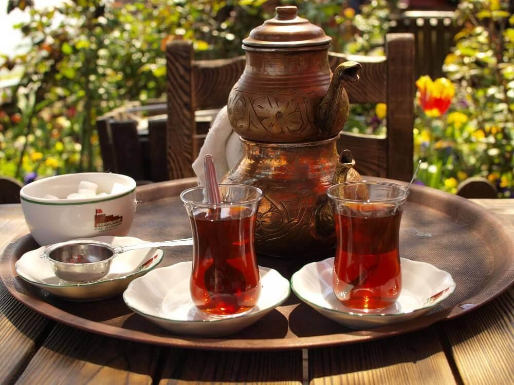 Чай в Азербайджанских чашках Армуду