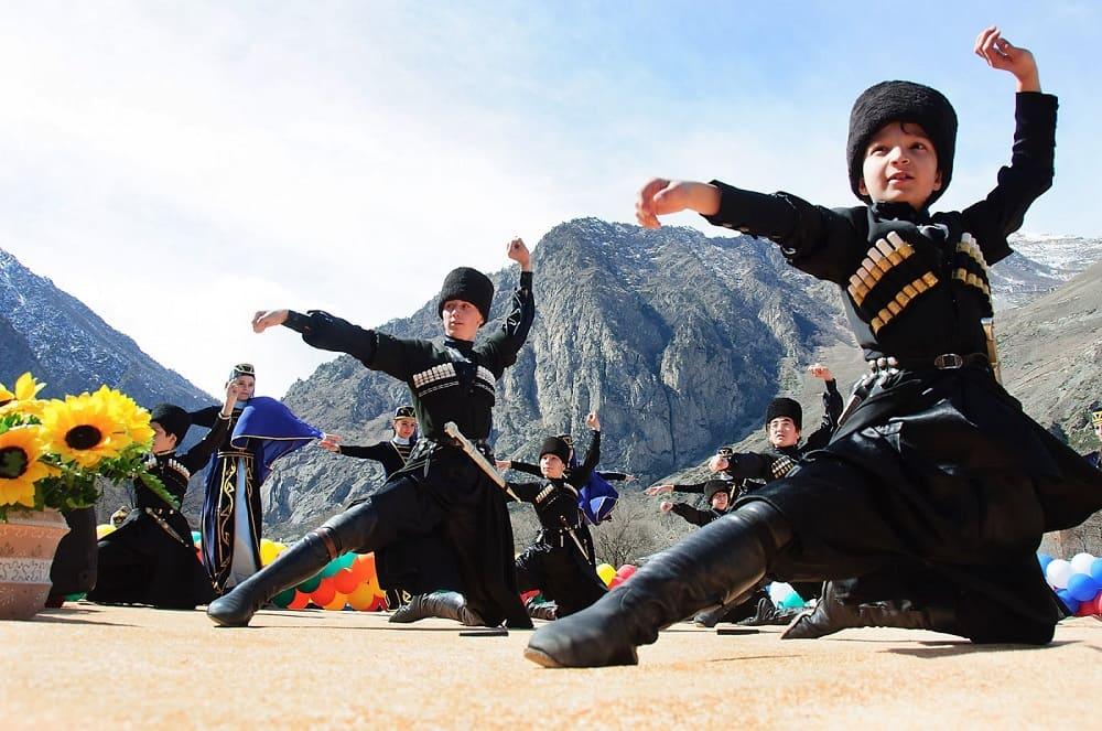 Танец балкарцев
