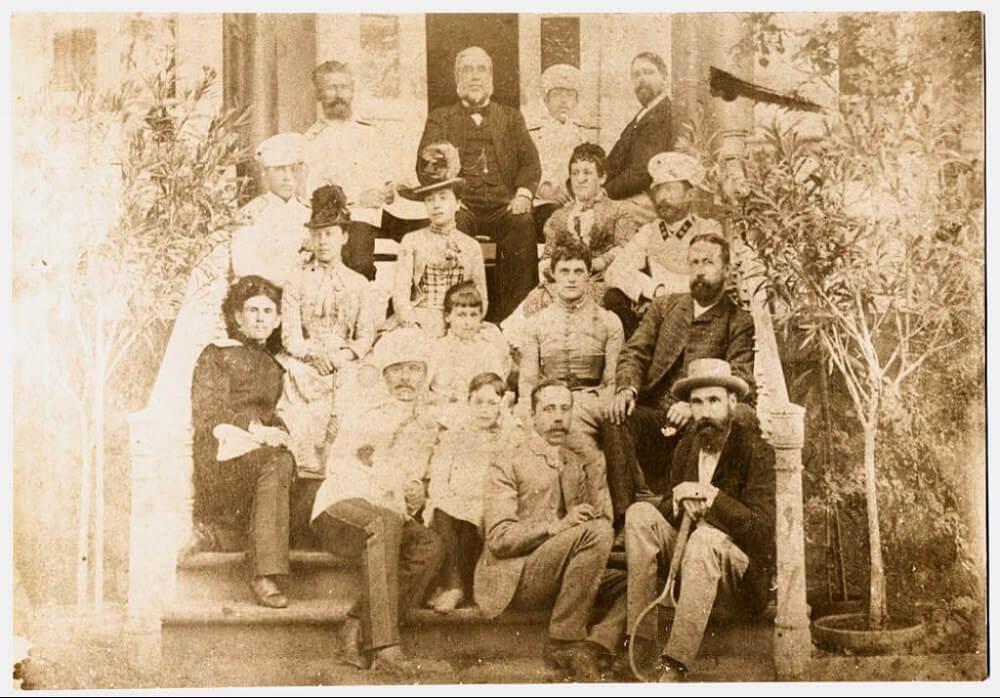 Джон Юз со своей семьей. Юзовка, 1889