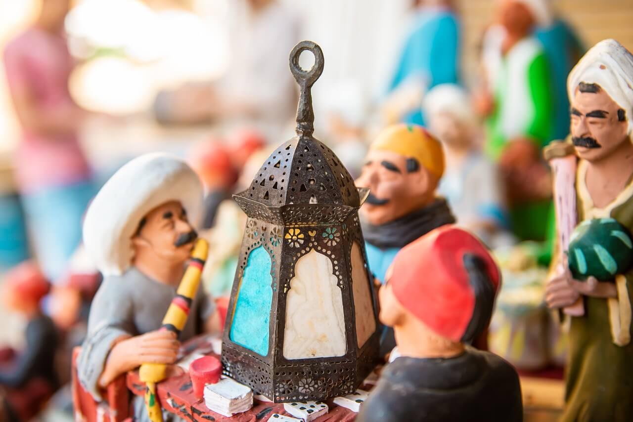 Фанус —разноцветный фонарь, который жители некоторых арабских стран зажигают в честь наступления священного месяца Рамадан ещё со времен Фатимидов