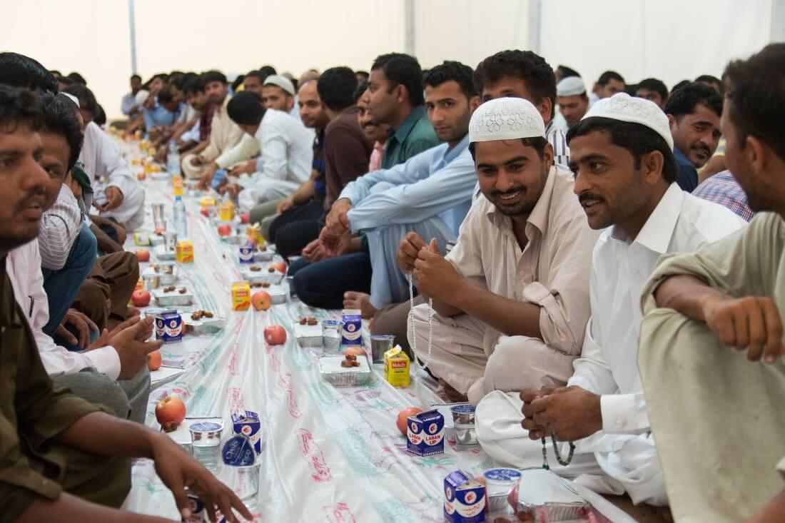 Ифтар — разговение, вечерний приём пищи после захода солнца во время месяца Рамадан