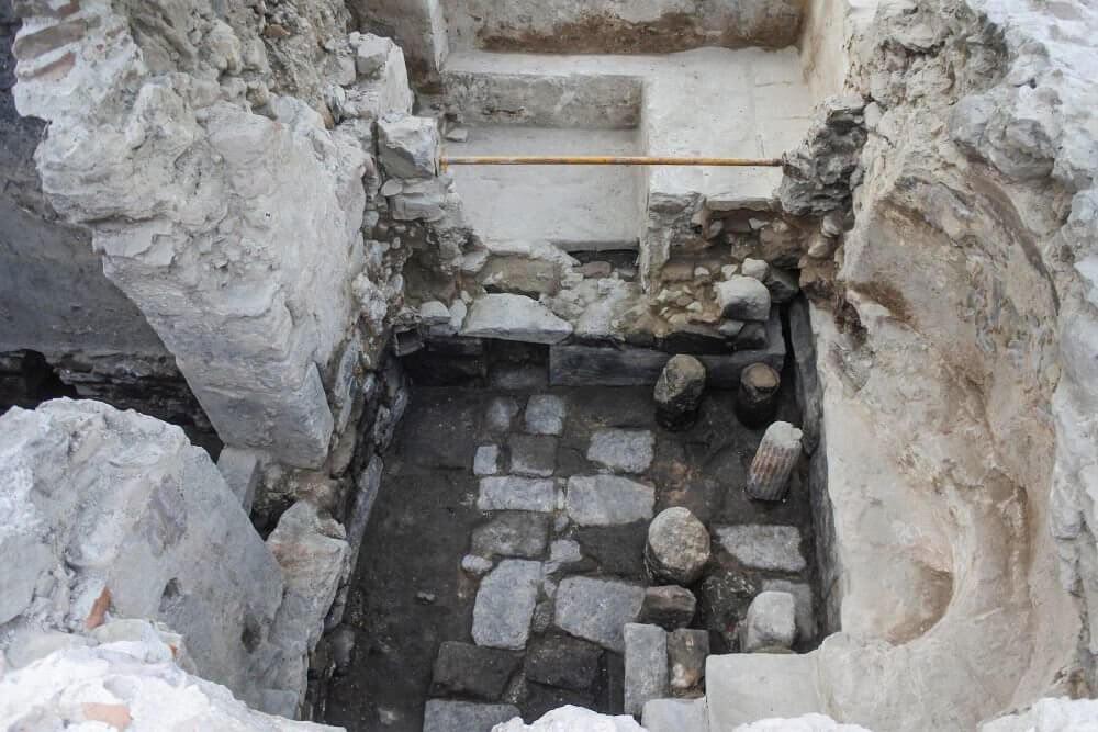 Руины древнего дворца на Лесбосе / © Greek Ministry of Culture and Tourism
