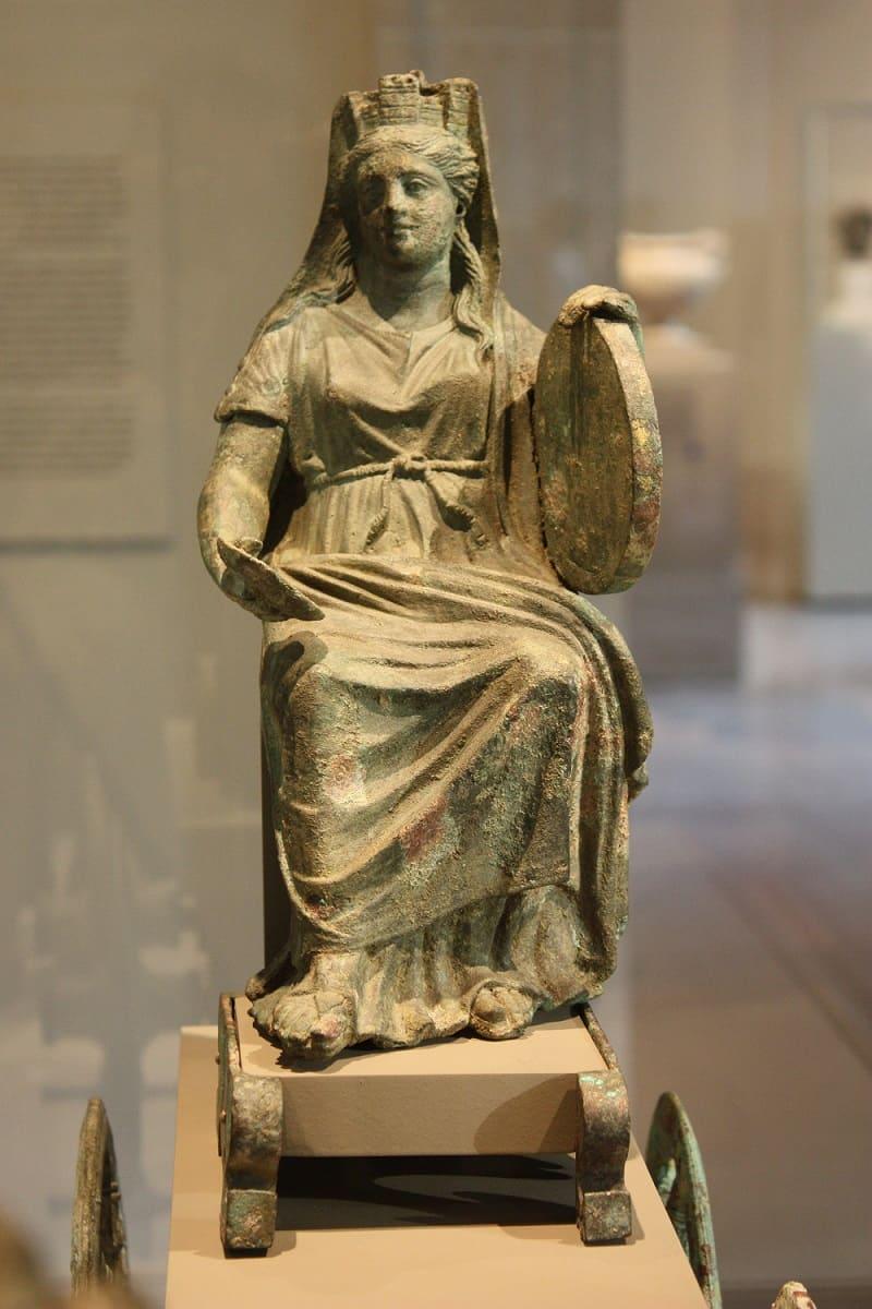 Бронзовая статуэтка Кибелы на повозке, 2-я половина 2-го века н. э. / © Peterjr1961 / wikipedia.org