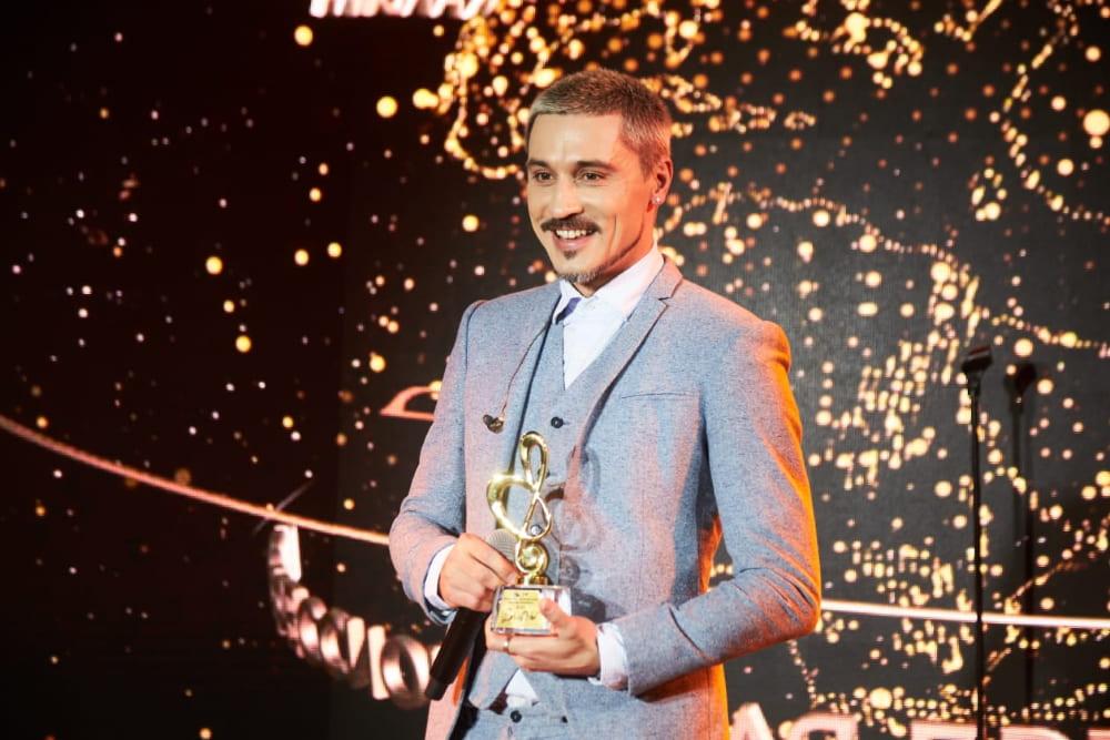 Дима Билан получил премию «BraVo»