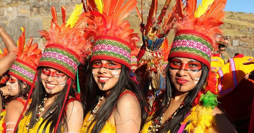 Девушки на Фестивале солнца Инти Райми